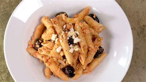 p 226 tes au pesto de tomates s 233 ch 233 es recettes de cuisine trucs et conseils canal vie