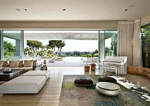 LA House Modern Minimalist Exterior Design With Plenty Of