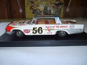 61 Ford Friction Tin Car
