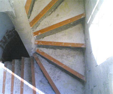 nez de marche escalier beton collazo falduto prefa fabricant d escaliers en b 233 ton sur mesure