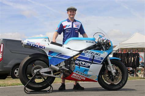 Classic Suzuki by Team Classic Suzuki To Debut Rg500 At Classic Tt Team