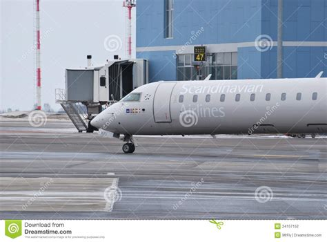 timetable find your flight sun air of scandinavia sas scandinavian airlines boeing 737 500 editorial photo