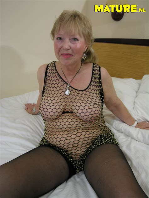 This granny loves to show her stuff