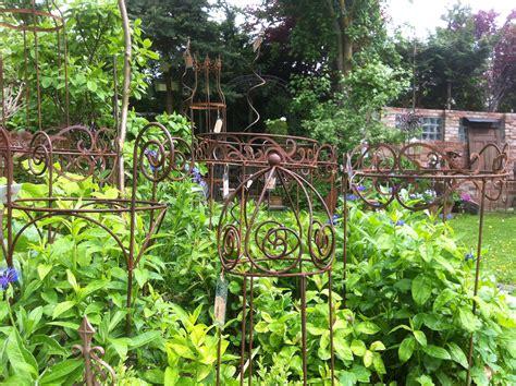 Garten Pflanzen Zubehör by Dekorationen Und Zubeh 246 R F 252 R Den Garten Pflanzen