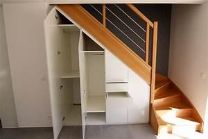 Placard Escalier : conception et installation de placard sous escalier voiron ~ Carolinahurricanesstore.com Idées de Décoration