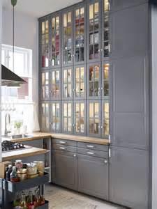 relooker une cuisine rustique repeindre les meubles de