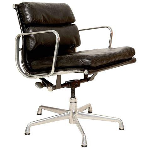vintage herman miller eames soft pad aluminum chair