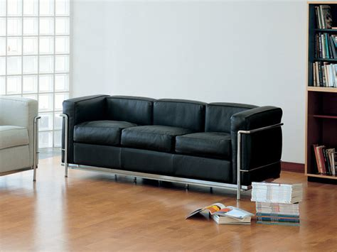 lc2 two seat sofa by le corbusier et al cassina leather buy the cassina lc2 three seater sofa at nest co uk