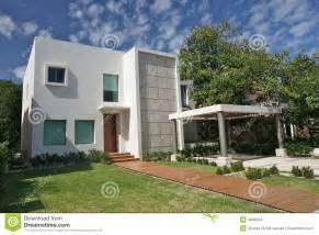 villa moderne images stock image 4480594
