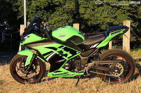 Downhill Pinned Kawasaki Ninja 300 Project Part I