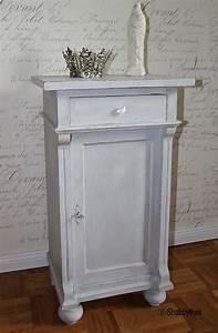 Shabby Chic Nachttisch : nachtschrank nachttisch restauriert shabby chic creme grau mit patina antik ebay ~ Frokenaadalensverden.com Haus und Dekorationen