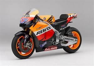 Racing Caf U00e8  Honda Rc 212v C Stoner Team Repsol Honda 2011