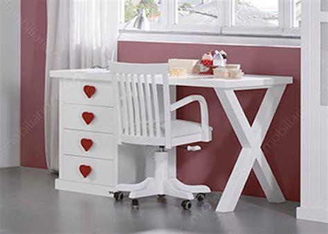 banquette pour chambre affordable chambre fille de qualite avec lit banquette