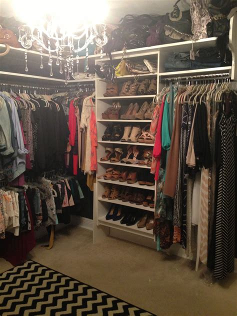 Bedroom Turned Tv Room by Small Bedroom Converted Into A Closet So Fetch