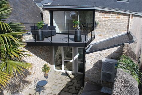 chambre sur pilotis terrasse suspendue é contemporain terrasse en bois