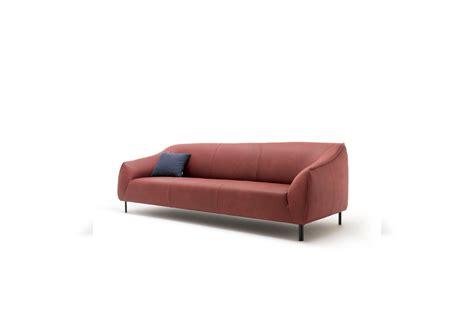 132 freistil dīvāns