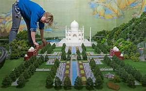 Take a 360 Degree Tour of Miniature Models of Famous ...