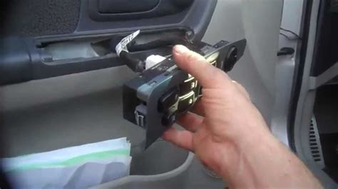 window switch door lock assembly replacement  kia