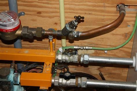 reparatievervanging lekkende warmwater kraan  meterkast