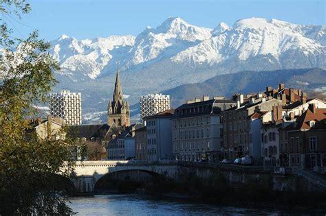 bureau tag grenoble auvergne rhône alpes tourisme grenoble une montagne de