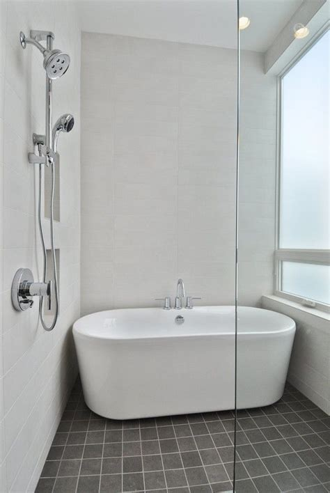Best Bathtubs For Small Bathrooms by The 25 Best Shower Bath Ideas On Comfort