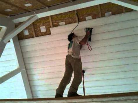 pose lambris dans maison bois 37