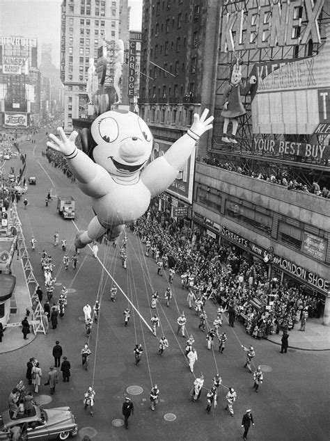 vintage 39 s bowl parade mighty mouse macy 39 s thanksgiving day parade this float