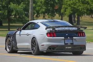 2018 Ford Mustang Shelby GT500 Release Date, Price, Specs, Photos
