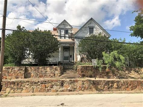 Haunted House For Sale - a haunted house for sale in mineral comes with nine