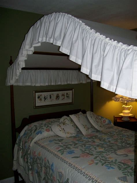 canopy bed covers 90 best images about chenille bedspreads on