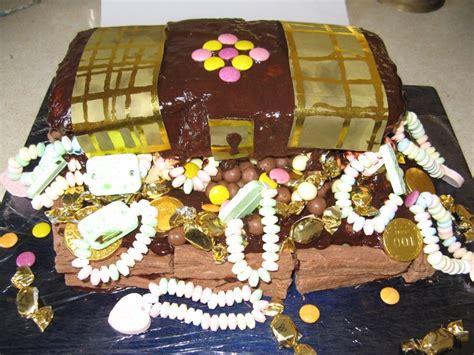 treasure chest party birthday cake cake desserts