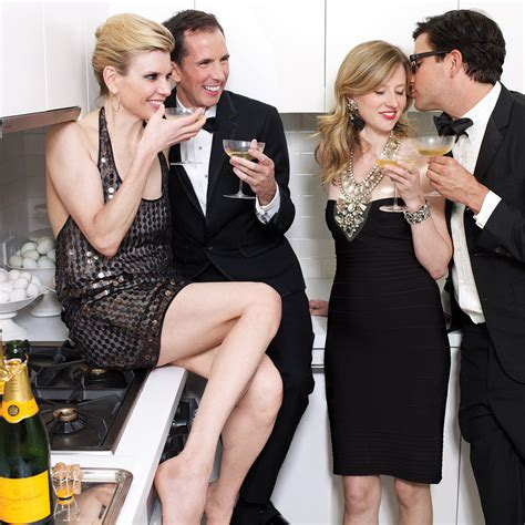 Cocktail Party Etiquette 11 Things You Should Never Talk