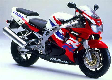 1997 Honda CBR900RR Fireblade - Moto.ZombDrive.COM