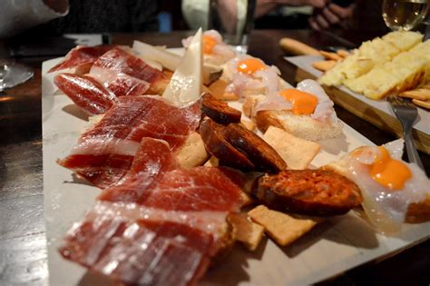 what are tapas best tapas bars in seville spain