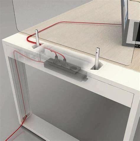 passe fils bureau bureau logic avec passage de câbles électriques intégrés