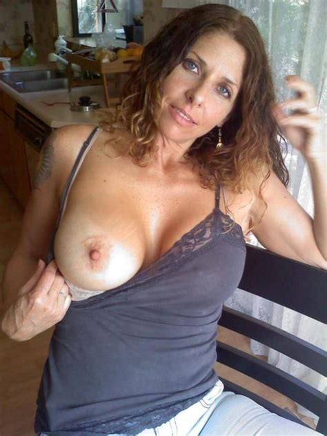 28 · Amateur Milfs Exposing Themselves
