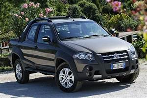 Review  2013 Fiat Strada Mini