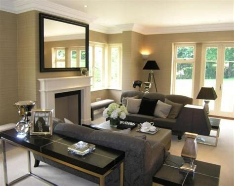 beige wallpaper living room design ideas
