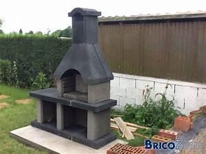 Barbecue En Dur : protection mur derri re un barbecue ~ Melissatoandfro.com Idées de Décoration