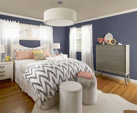 decorating ideas  apartment bedrooms