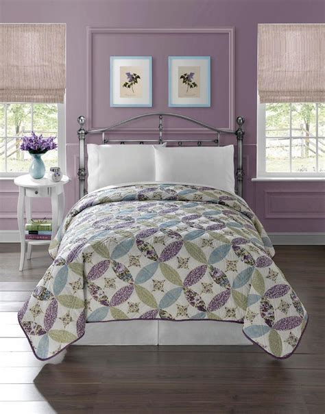 Floral Bedspreads by Pretty Floral Quilt Bedspread Coverlet Light Weight