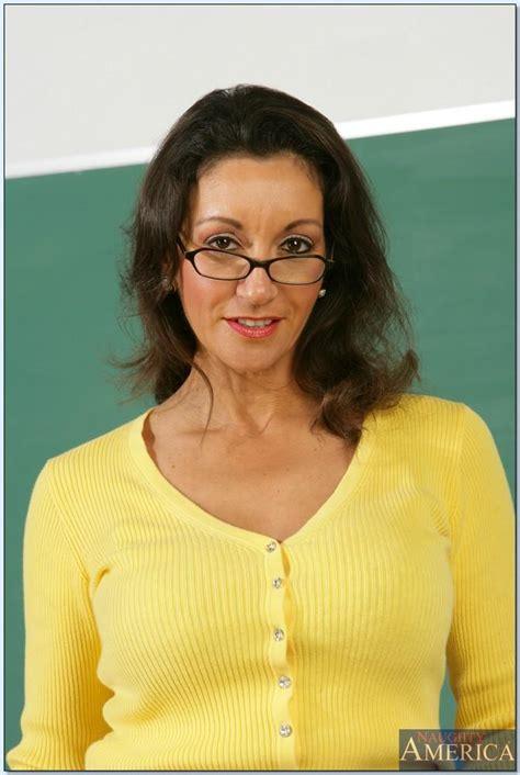 Mature Teacher In Glasses Persia Monir Demonstrating Hairy