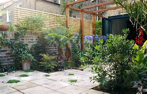 garden tuscan courtyard design ideas small courtyard