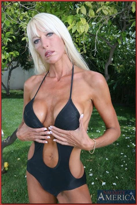 0006  In Gallery Anorexic Skinny Mature Milf With Big