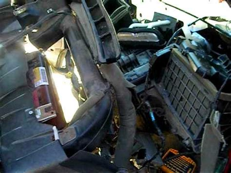 replacing  heater core  chevy tahoe youtube
