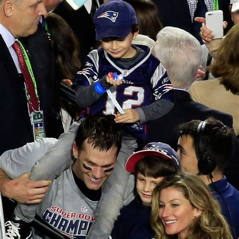 Look back at the sweetest snaps of tom, gisele and their family. Tom Brady's Cutest Family Photos | POPSUGAR Moms