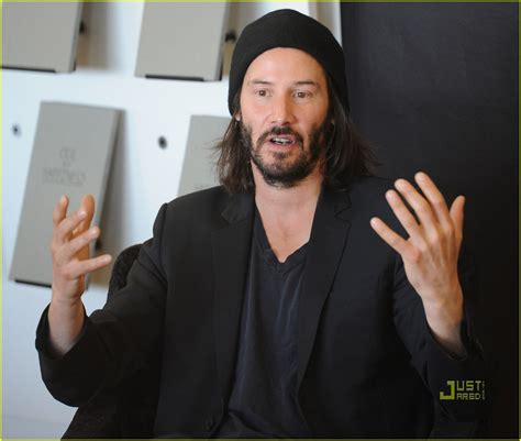 keanu reeves ode to happiness book signing 2553938 keanu reeves pictures just jared