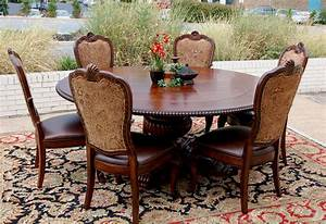 7pc Traditional Old World Round Mahogany Dining Table And