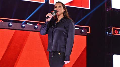 stephanie mcmahon announced  wrestlemania main event