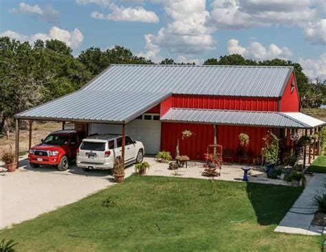 Cheap Barn by Best 25 Metal Barn Homes Ideas On